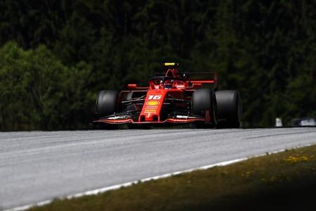 Charles Leclerc lidera unos accidentados FP2 en Austria en los que Valtteri Bottas acabó contra el muro