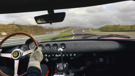 El mejor vídeo que vas a ver (y escuchar) hoy: un Ferrari 250 GTO dándolo todo en circuito