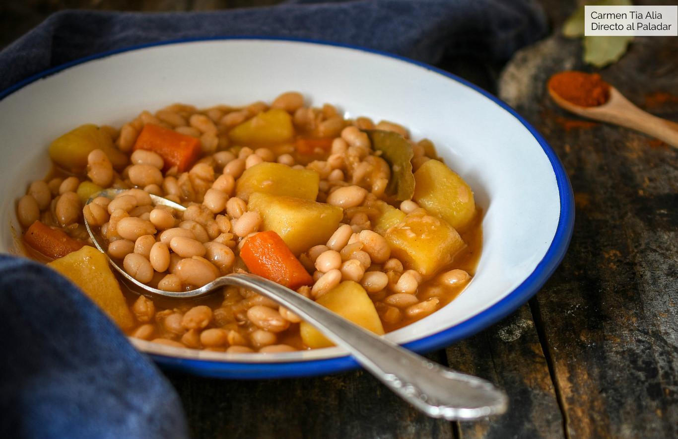 Alubias arrocinas (o arroceras) estofadas con verduras, receta de cuchara tradicional