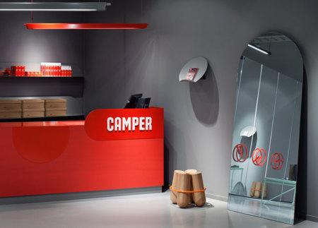The Shoe Testing Facility, nueva tienda Camper  en Suecia diseñada por Note Design Studio