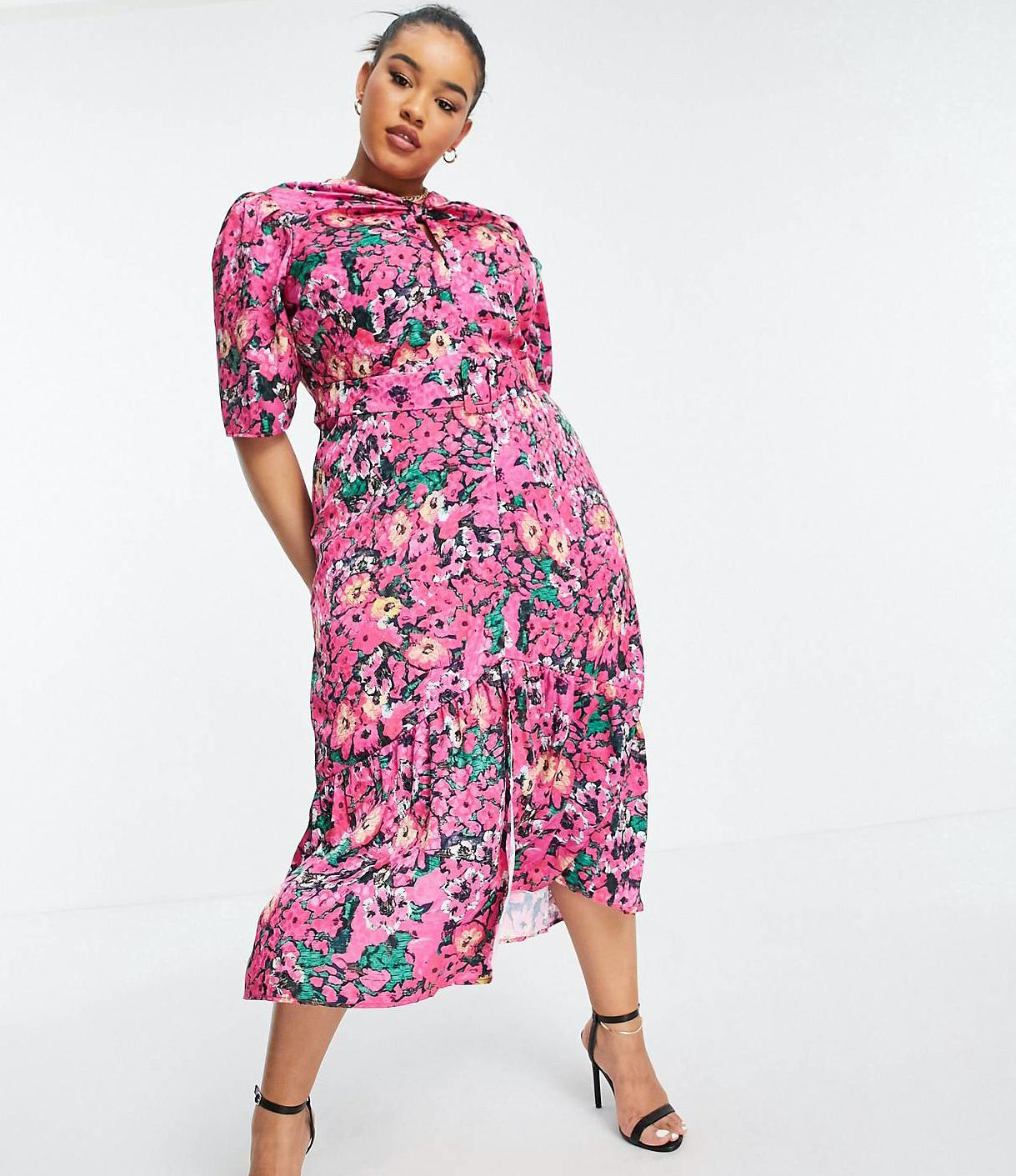 Vestido midi rosa fucsia luminoso con manga abullonada y estampado floral de Hope & Ivy Plus