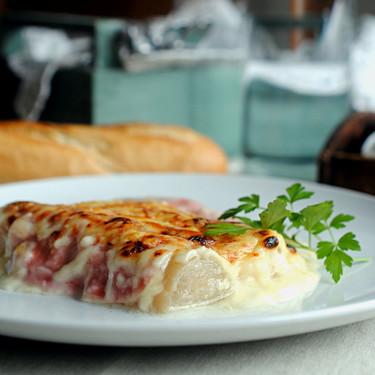 Gratinado de puerros con jamón y queso: receta fácil, rápida y deliciosa
