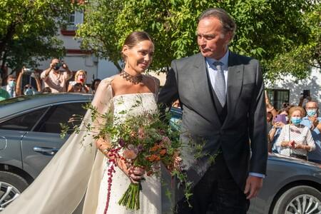 Claudia Osborne se casa con un vestido de novia de perlas