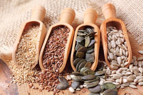Las semillas con más grasas sanas para tu organismo (y 29 recetas para incluirlas en tu alimentación)