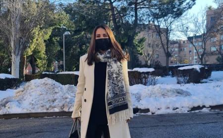 Paula Echevarría tiene el abrigo blanco ideal para lucir en invierno: es de Stradivarius y está en rebajas