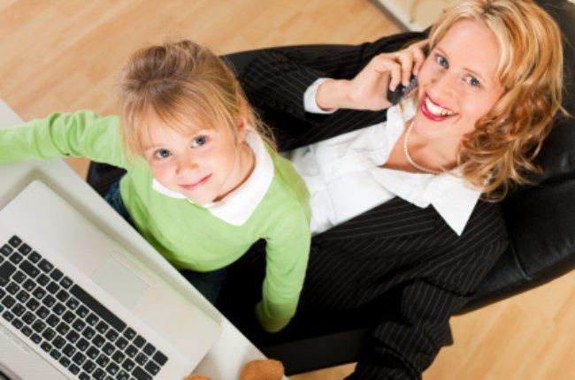 madre emprendedora con su hija