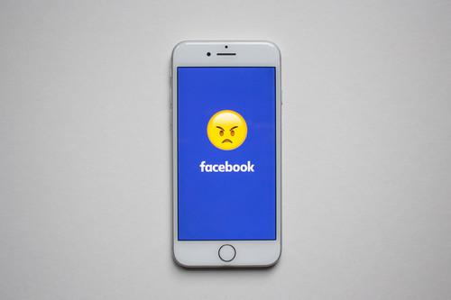 Sin piedad: Apple apunta al corazón de Facebook con macOS Mojave por su recopilación de datos