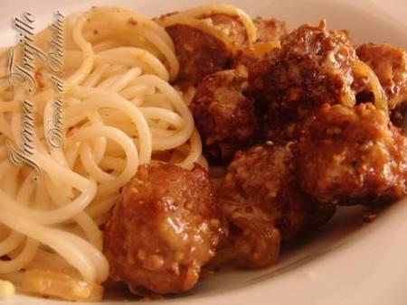 Albóndigas a la mostaza con espaguetis. Receta