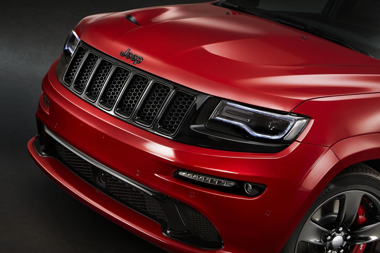 Foto de Jeep Grand Cherokee SRT Red Vapor (4/8)