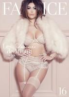 ¡Cómo le gusta a Kim Kardashian posar en lencería fina. Una cosa mala, oye!