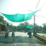 India instala toldos para motoristas en semáforos para combatir el calor