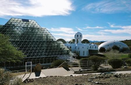 Biosphere 2, la utopía de crear una Tierra dentro de la Tierra en los años 90