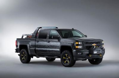 Chevrolet Silverado Black Ops y Silverado Z71 Volunteer Firefighter