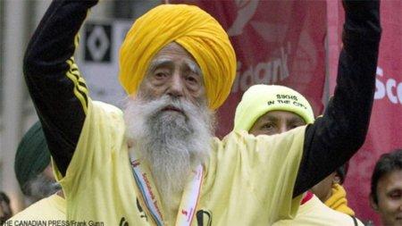 Fauja Singh maratoniano de 100 años