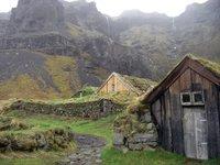 Las casas con tejados de turba de Núpsstaður en Islandia
