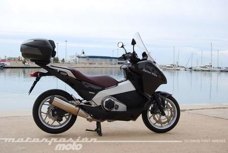 Motorpasión a dos ruedas: prueba Honda Integra, el Tourist Trophy y la MV Agusta F3 800