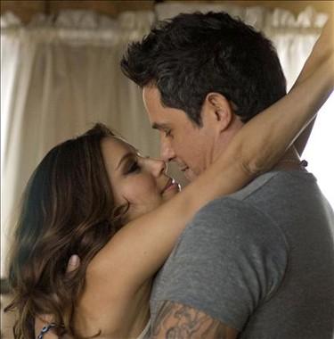 """Eva Longoria muy cariñosa en """"Desde cuando"""", el nuevo videoclip de Alejandro Sanz"""