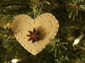 Recicladecoración navideña: estrellas y corazones