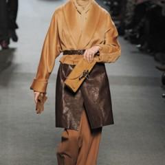 Foto 3 de 27 de la galería jean-paul-gaultier-otono-invierno-20112012-en-la-semana-de-la-moda-de-paris-el-lado-sexy-del-estilo-ladylike en Trendencias