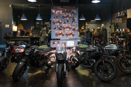 Acompáñanos en un viaje por The Land of Joy con 11 personalizaciones sobre Ducati Scrambler