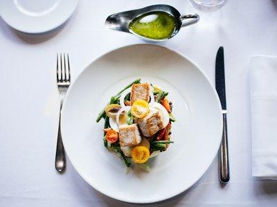 Si te han dicho que comer de todo en plato pequeño es bueno, deberías saber esto