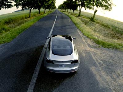 A Tesla no sólo le va bien, sino que vende el doble de coches de un año para otro