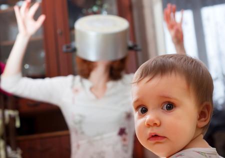 ¿Qué puedo hacer si mi hijo tiene miedo a los extraños?