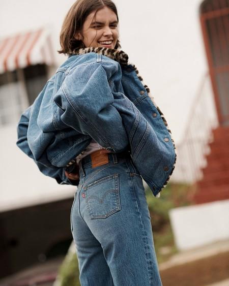 Los vaqueros, camisetas y chaquetas Levi's que están este Cyber Monday en la lista de la compra de las que más saben de moda