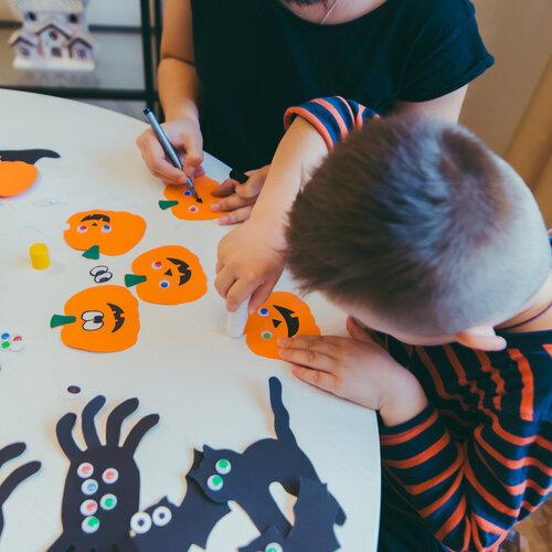 Más de 50 actividades educativas sobre Halloween para descargar gratis y que los niños aprendan mientras se divierten