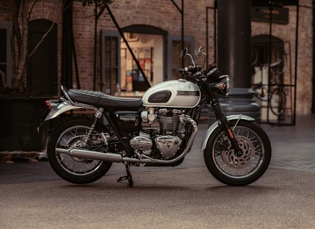 Triumph Bonneville T120 Ace Diamond 2019 022