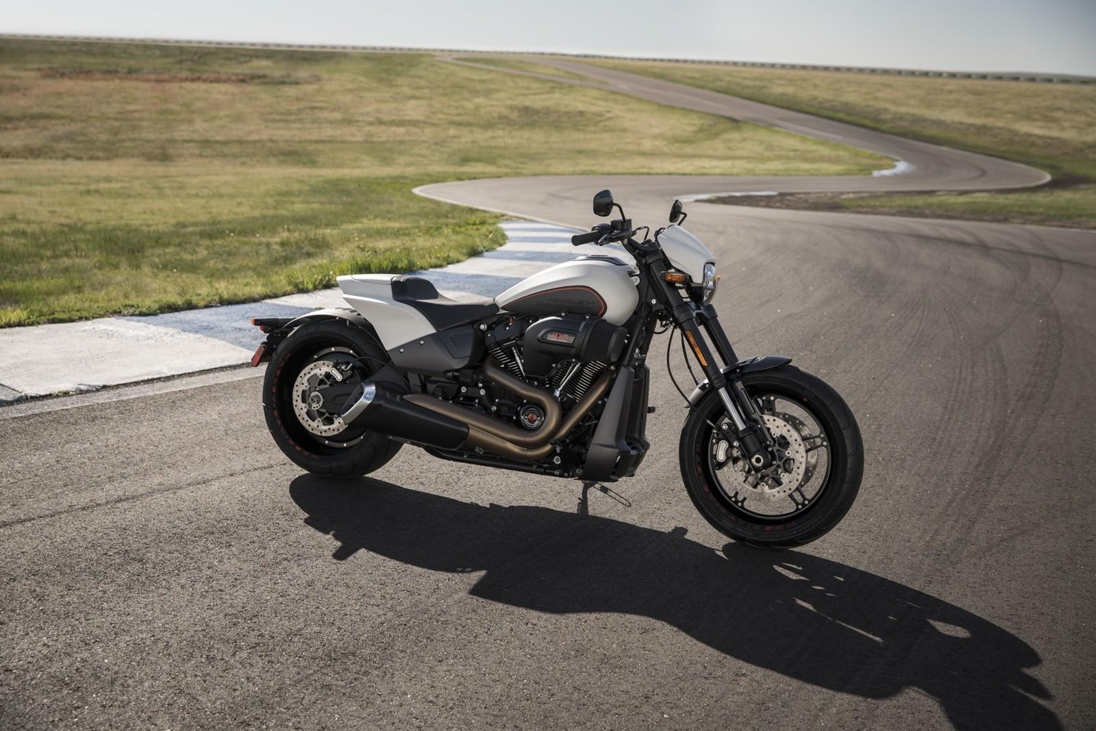 Foto de Harley-Davidson FXDR 114 2019 (6/9)