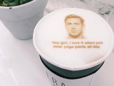 ¿Me pone un Ryan Gosling para llevar, por favor? Sí, ahora esto puede ocurrir de verdad en un café de Los Ángeles