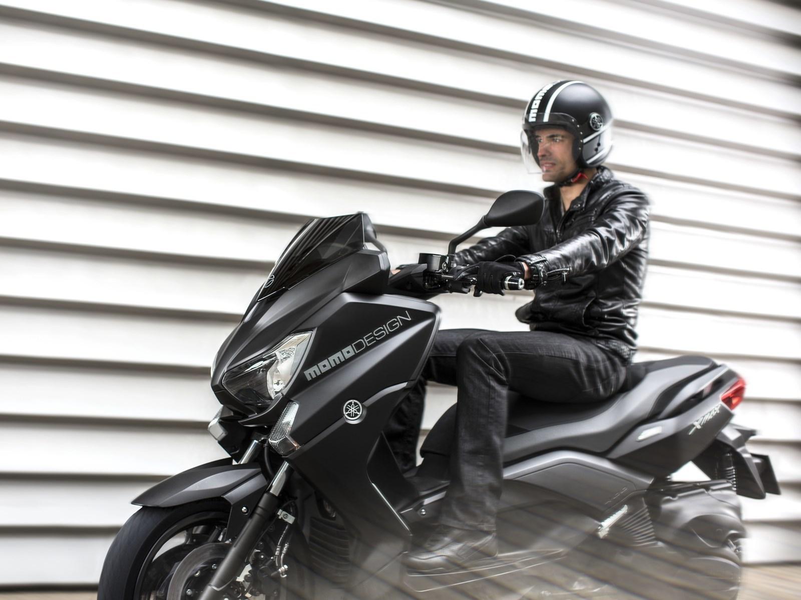 Foto de Yamaha X-MAX 400 MOMODESIGN, en acción (1/15)