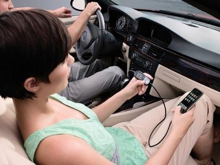 Belkin TuneCast Auto Live, emisor FM inteligente para el iPhone