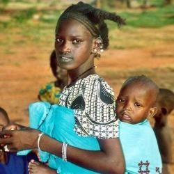 Manos Unidas: campaña de mejora de la salud de las madres del Tercer Mundo