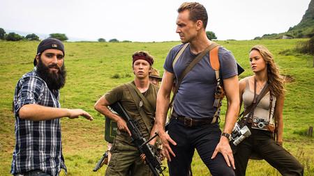 Jordan Vogt-Roberts dando instrucciones en el rodaje de Kong