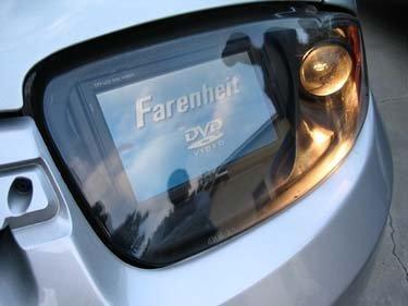Pantallas en las luces de tu coche