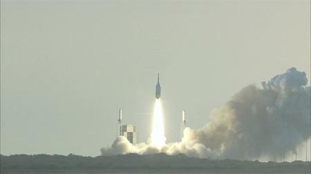 Contempla la prueba de aborto de lanzamiento de la nave Orion