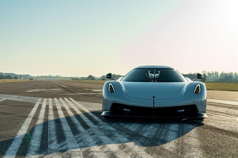 ¿Hay algo mejor que el vídeo de un Koenigsegg Jesko haciendo el bruto en circuito? Sí: el vídeo de dos Jesko haciendo el bruto en circuito