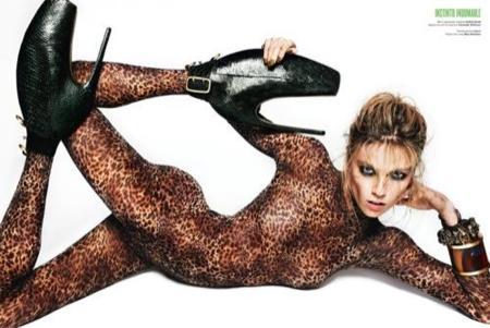 Kirsten Dunst y Masha Novoselova las protagonistas del nuevo número de la revista V, mono