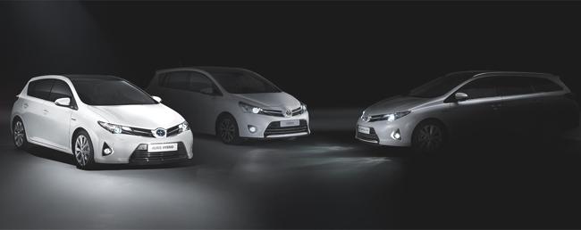 Toyota Auris Tourer y nuevo Toyota Verso en París