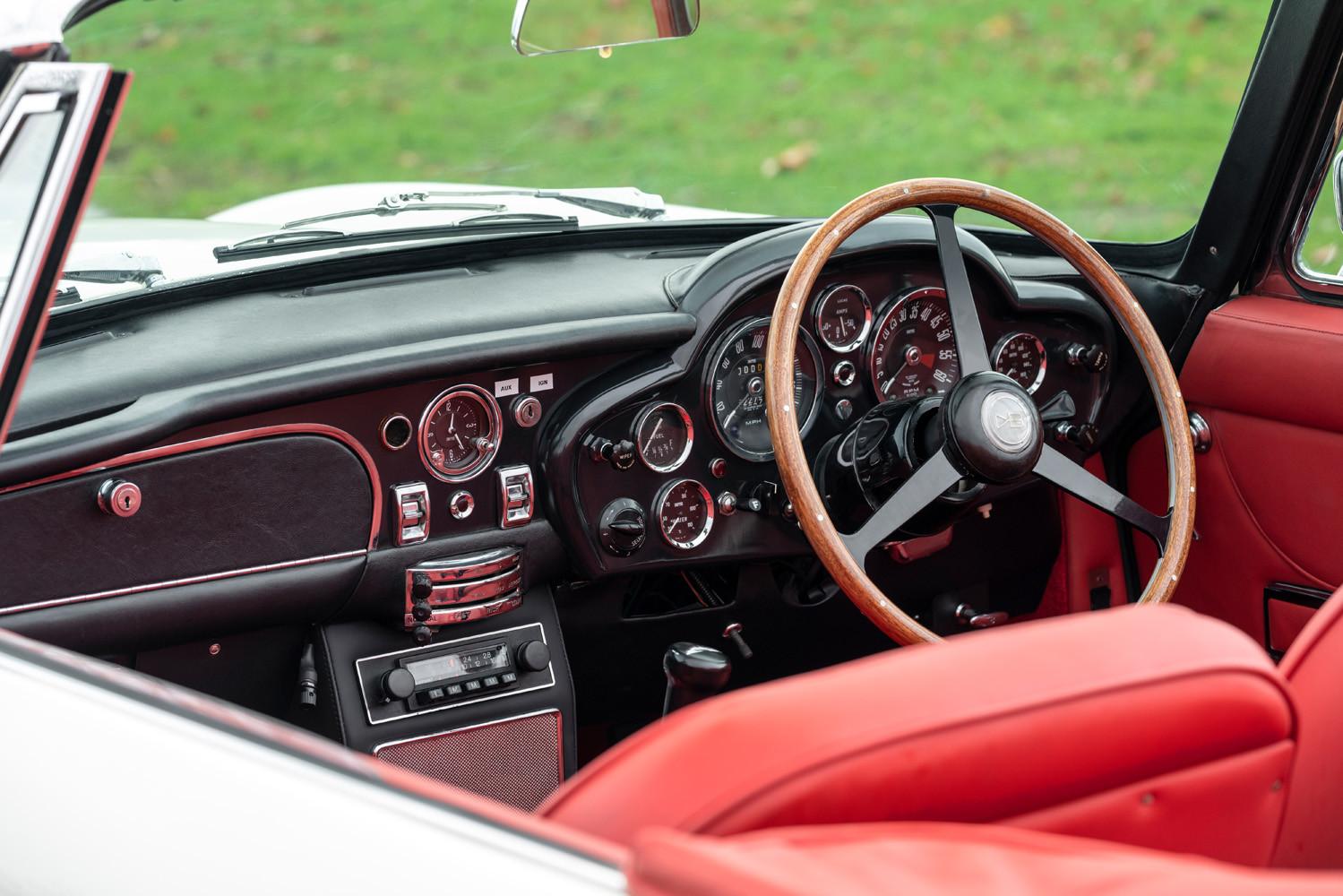 Foto de Aston Martin Heritage EV Concept (10/16)