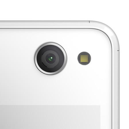 07 Xperia C4 White Camera