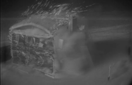 Contempla una prueba nuclear de 1953 desintegrando una casa en alta resolución