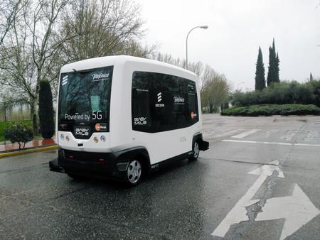 Me he subido en un minibús autónomo conectado mediante 5G y lo mejor de todo es que la tecnología 'apenas' se percibe