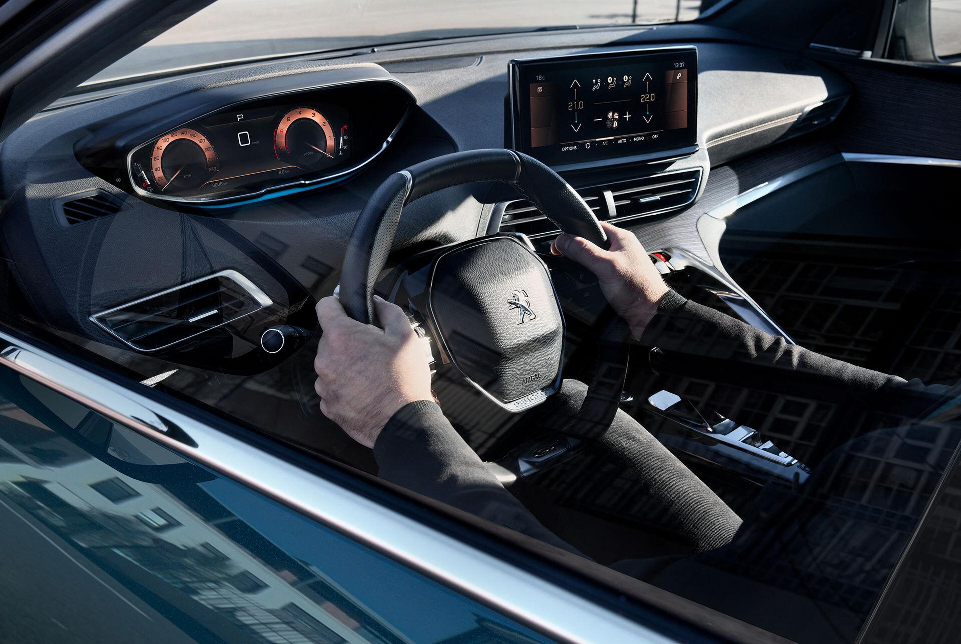 Foto de Peugeot 5008 2022 (10/11)