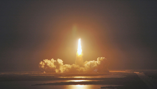 14750 The Space Shuttle Lifting Off Pv