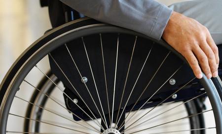 Singapur quiere que en sus hospitales los pacientes se muevan en sillas de ruedas autónomas
