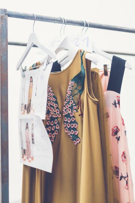 La nueva joven promesa de la moda española tiene nombre propio y nosotros la entrevistamos, así es Isabel Nuñez