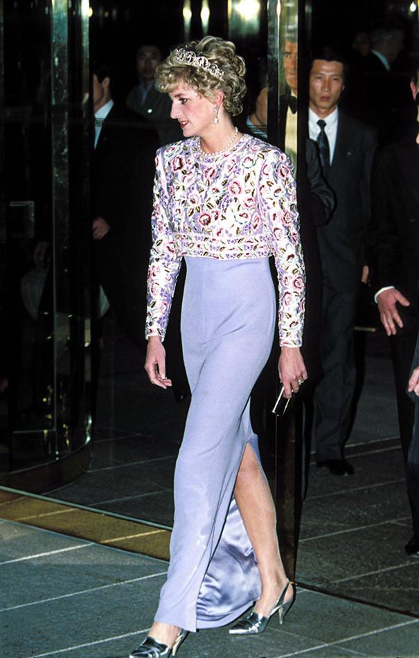 Diana de Gales de lila con estampado
